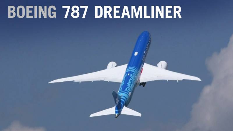 Air Tahiti Nui Boeing 787-9 Dreamliner Flies at Paris Air Show